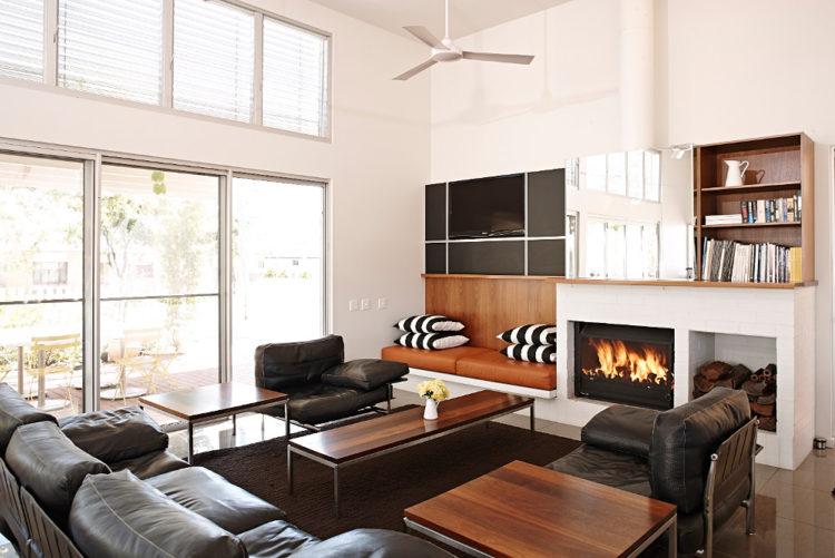 Fireside Lounge